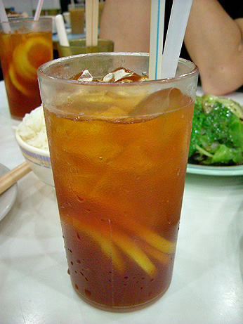 """Iced drinks add two dollars"" is a common practice by Hong Kong restaurants."